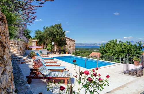 Last Minute Cottages - Villas Jelsa