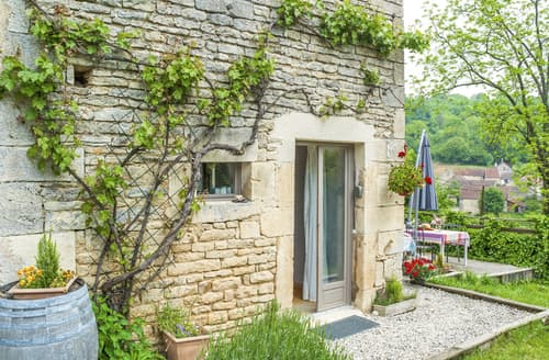 Last Minute Cottages - Adorable Frôlois Cottage S115529