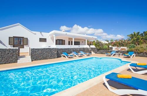 Last Minute Cottages - Villa Soleado
