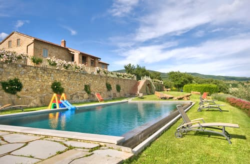 Last Minute Cottages - Casale La Fazia