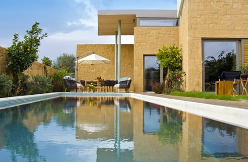 Last Minute Cottages - Villa Hera