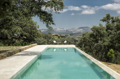 Last Minute Cottages - Villa Serene