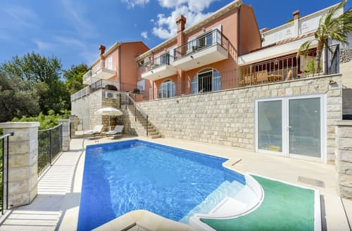 Last Minute Cottages - Villa Notaz