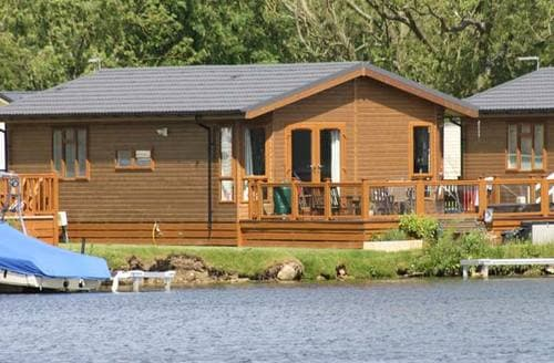 Last Minute Cottages - Lakeside Lodge