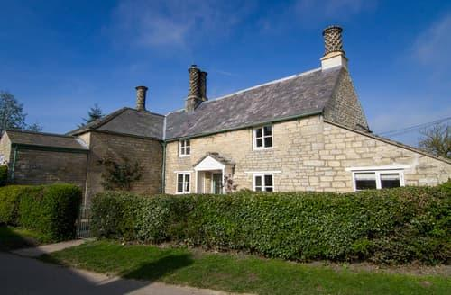 Last Minute Cottages - Quaint Burton Coggles Cottage S79583