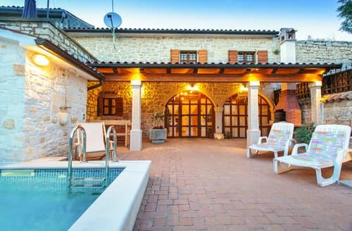 Last Minute Cottages - Villa Andora