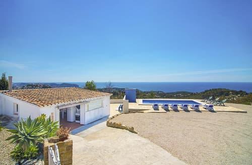 Last Minute Cottages - Villa Dalia