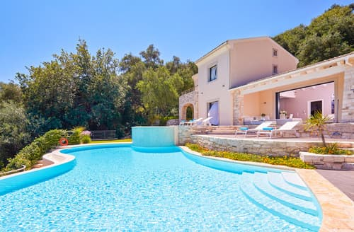Last Minute Cottages - Villa Tatiana