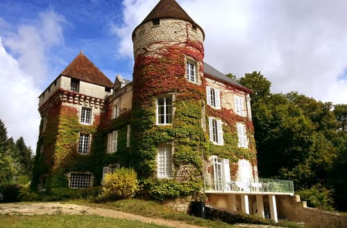 Last Minute Cottages - Chateau Roussignol