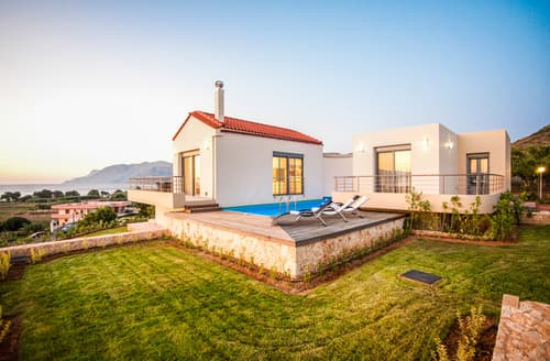 Last Minute Cottages - Villa Pounentes