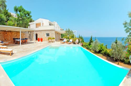 Last Minute Cottages - Villa Laelaps