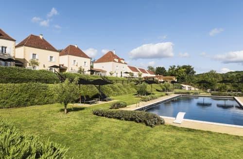 Last Minute Cottages - Chateau Les Oiseaux