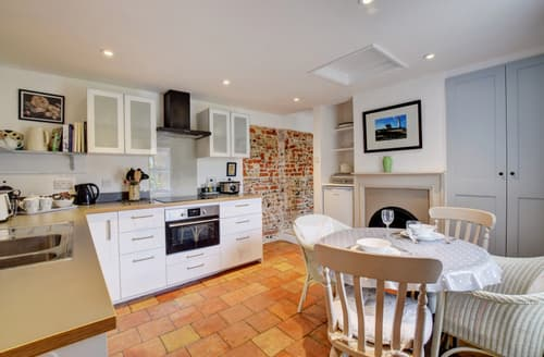 Last Minute Cottages - Luxury Snape Cottage S83135