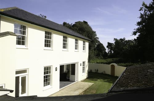 Last Minute Cottages - Attractive Hollesley Lodge S83149