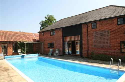 Last Minute Cottages - Old Barn, Semer