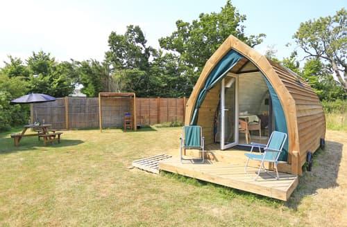 Last Minute Cottages - Splendid Toft Monks  Lodge S121435
