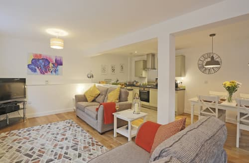 Last Minute Cottages - Luxury Lavenham Cottage S97415