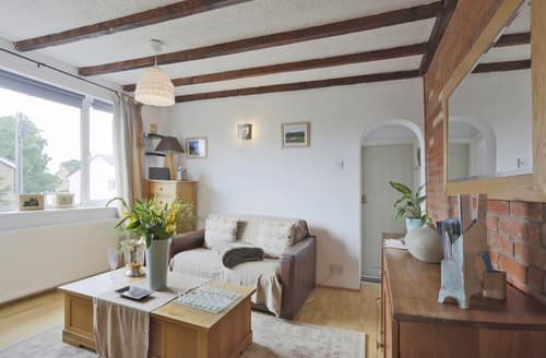 Last Minute Cottages - Angel Apartment