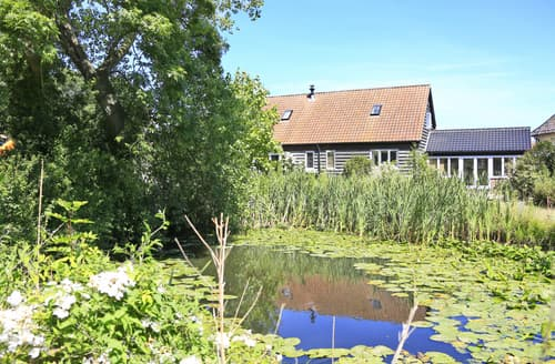 Last Minute Cottages - Gorgeous Bramfield Lodge S88801