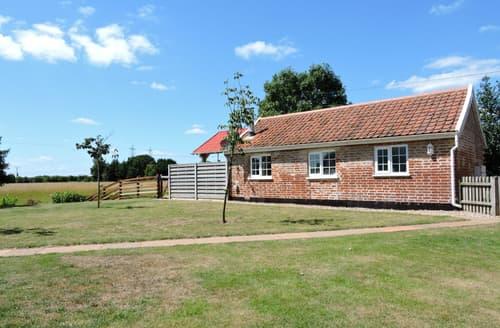 Last Minute Cottages - Adorable Snape Lodge S83173