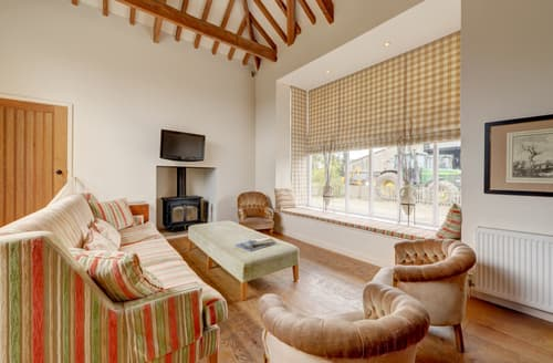 Last Minute Cottages - Becks Green Barn (10), Ilketshall St And