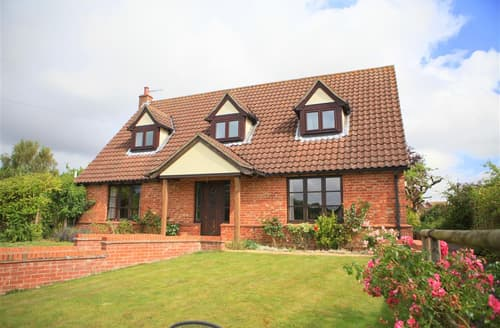 Last Minute Cottages - Captivating Ufford Cottage S83275