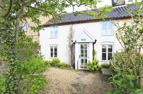 Last Minute Cottages - Inviting Snape Cottage S83168