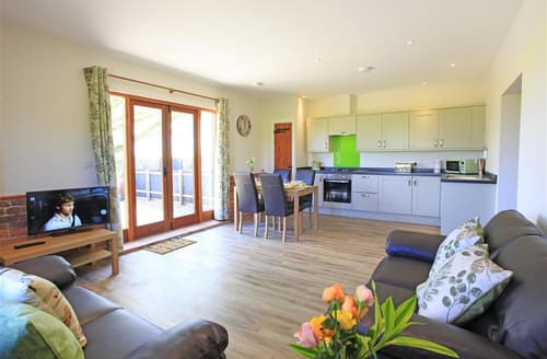 Last Minute Cottages - Moorhen