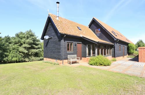 Last Minute Cottages - Yarn Hill Barn, Iken