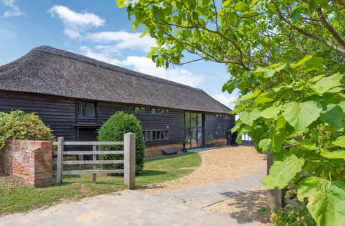 Last Minute Cottages - Butley Barn, Butley