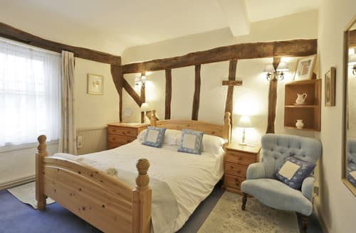 Last Minute Cottages - Quaint Lavenham Cottage S97405