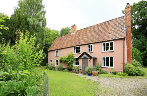 Last Minute Cottages - Woodhall Manor, Thrandeston