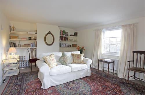 Last Minute Cottages - Stunning Woodbridge Apartment S97384