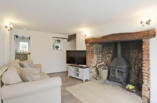 Last Minute Cottages - Luxury Framlingham Cottage S122033