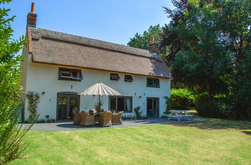 Last Minute Cottages - Stunning Hemblington Cottage S88161