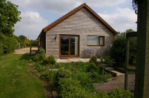 Last Minute Cottages - Oak Tree Cottage