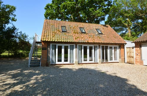 Last Minute Cottages - Charming Roughton Cottage S82889
