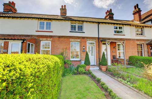 Last Minute Cottages - Attractive West Runton Cottage S80063