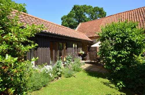 Last Minute Cottages - Wonderful Holt Rental S11831