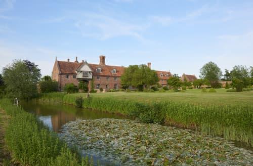 Last Minute Cottages - Hales Hall, The Gatehouse & The Cottage