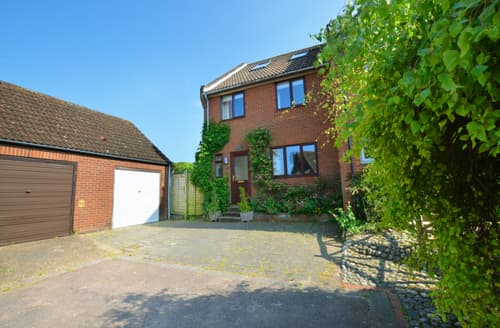 Big Cottages - Attractive Salthouse Cottage S81452