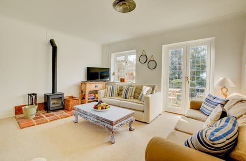 Last Minute Cottages - Cosy Sedgeford Cottage S96526