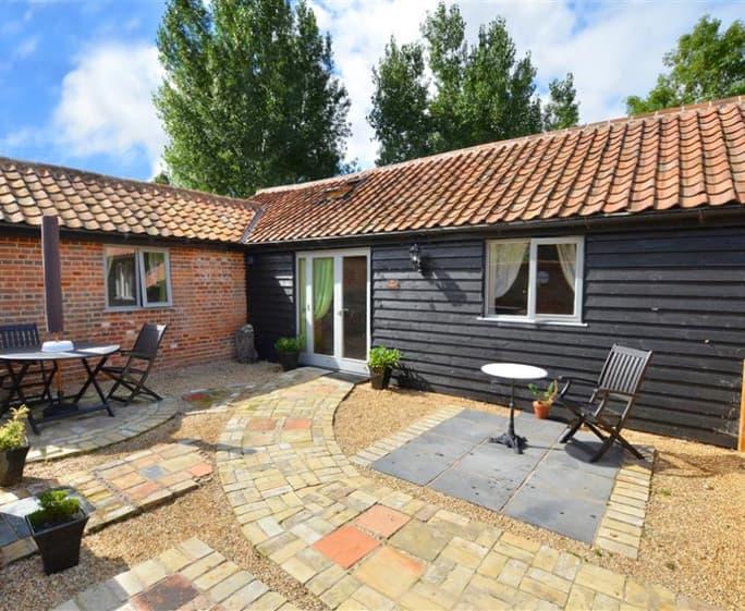 The Courtyard - The Courtyard, Lodge Farm