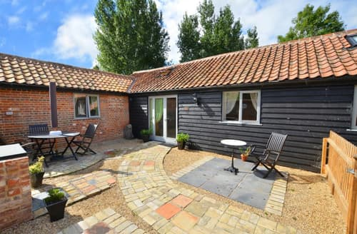 Last Minute Cottages - The Courtyard, Lodge Farm