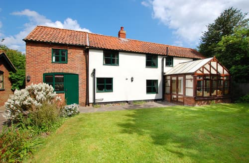 Last Minute Cottages - Quaint Hickling Rental S11959