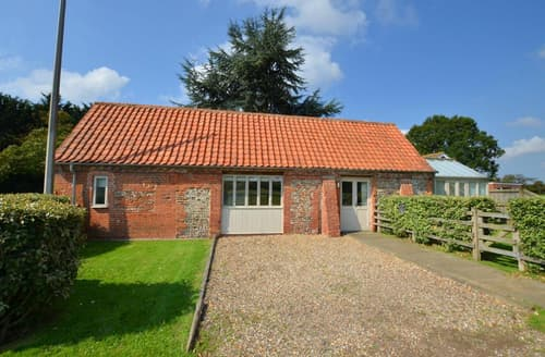 Last Minute Cottages - Attractive Briston Rental S9772