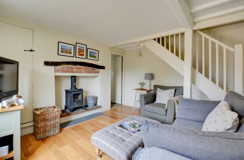 Last Minute Cottages - Luxury Knapton Cottage S106080