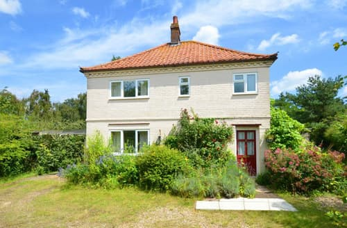 Last Minute Cottages - Charming Cley Next The Sea  Rental S11685