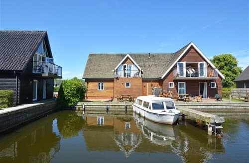 Last Minute Cottages - Attractive Horning Cottage S42406