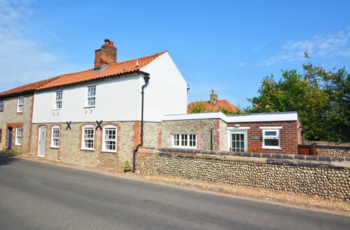 Last Minute Cottages - Luxury Blakeney Cottage S113312